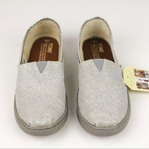 TOMS CLASSIC LOAFER SILVER GLITTER YOUTH 4